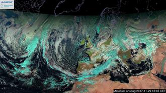 Geostasjonær: Selv svært høytflyvende geostasjonære satellitter kan vi gode oversiktsbilder. Dette er tatt med Meteosat i det synlige spekteret.