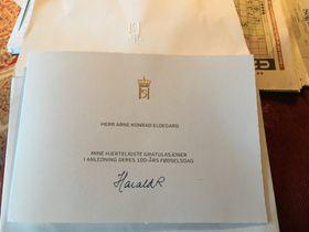 GRATULASJONSBREV FRÅ HØGASTE HALD: I romsleg tid før han fylte 100 år, fekk Arne eit gratulasjonsbrev i posten frå kong Harald.