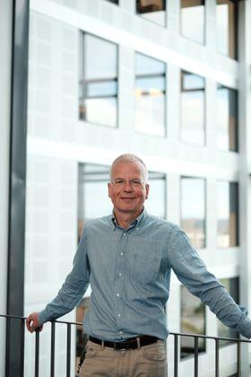 – Aluminium og tre benyttet i fasader er tilnærmet likeverdige med hensyn til bærekraft-egenskaper, mener Thomas Aasen i Schüco.