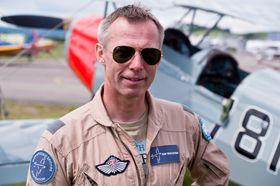 VETERANFLYENTUSIAST: Finn Terje Skyrud er leder i Kjeller Flyhistoriske forening og en ivrig forkjemper for veteranfly.