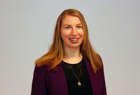 Ragnhild Bjelland-Hanley jobbet flere år som kommunikasjonsrådgiver i interesseorganisasjonen Norsk Landbrukssamvirke, før hun som 35-åring vendte tilbake til skolebenken for å ta en mastergrad i teknologi, innovasjon og kunnskap ved Universitetet i Oslo. Ragnhild er opptatt av miljø- og klimasaken, og har jobbet i Norsk solenergiforening siden 2016.