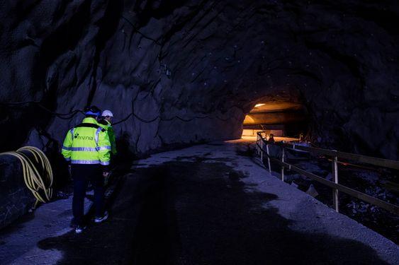 De største utfordringene ved utførelsen av tunnelarbeidene har vært stabilitet og rystelser ved sprengning tett på bebyggelse og eksisterende anlegg.