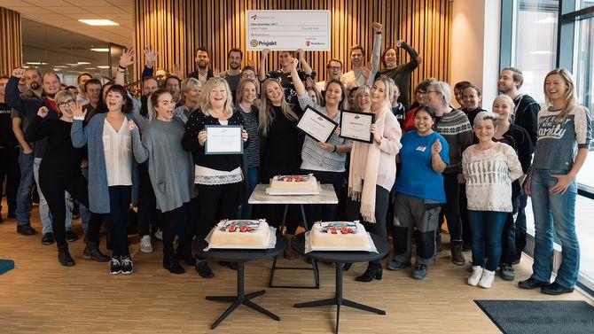 Blivakker-gjengen på Sørlandet feirer med full jubel og kake.