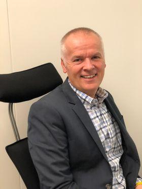 TENK DEG OM: Tore Rylander, fagsjef bilsalg og digitale flater i Norges Bilbransjeforbund, oppfordrer folk til å sette seg godt inn i avtalene før man bestemmer seg.