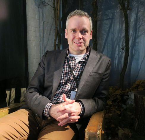 Mike Hastings leder Netflix' «Enhanced Content Team».