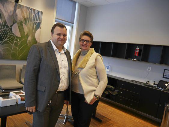 FORTSETTER ARBEIDET: Nå er det ingen vei tilbake, og ordfører Thomas Sjøvold i Oppegård og Hanne Opdan i Ski kan fortsette arbeidet med sammenslåingen av Ski og Oppegård.