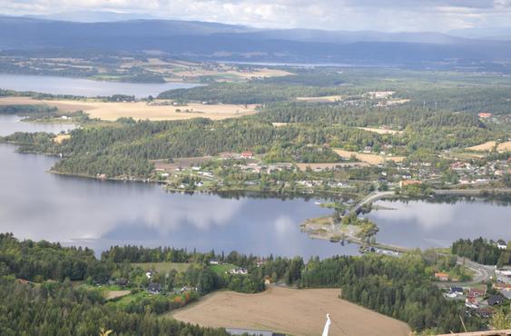 Kroksund: Startpunkt for E16 Sundvollen-Hønefoss, endepunkt for Skaret-Høgkastet.
