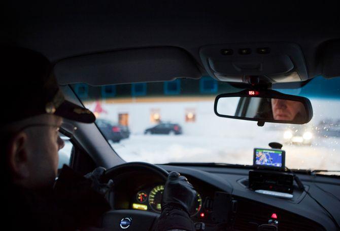 MANGE: Arbeidsgivers tolkning av arbeidstid mot reisetid rammer mange i politietaten - og også i hele det norske arbeidsliv.