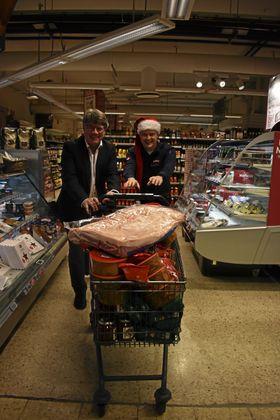 JUL TIL ALLE: Tom Westerlin og Øyvind Øvsthus sender julen ut til alle!
