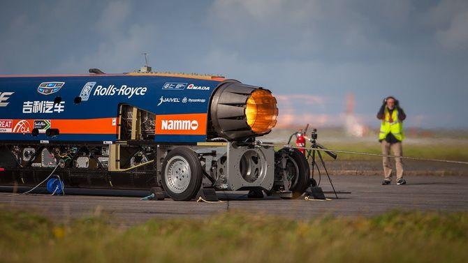 I september ble Bloodhound SSC spent fast og for første gang testet med EJ200-motoren med full etterbrenner.