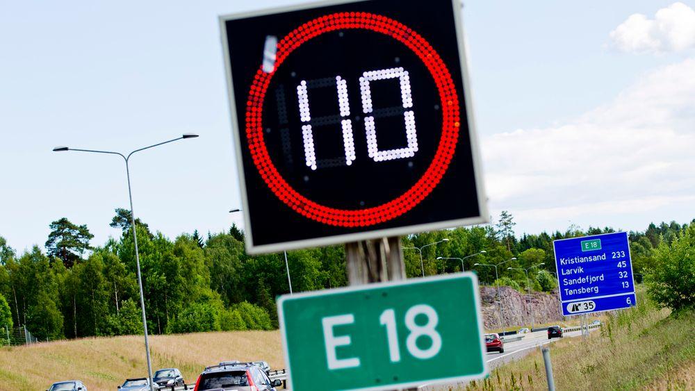 Rapporten konkluderer med at dagens fartsgrenser må senkes om man skal nå nullvisjonen om ingen drepte eller hardt skadde i trafikken.