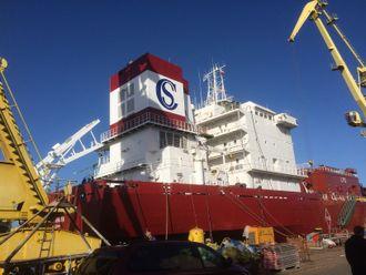 Clipper Harald ferdig ombygget med ny kappe rundt skorstein der EGR-anlegget er plassert.