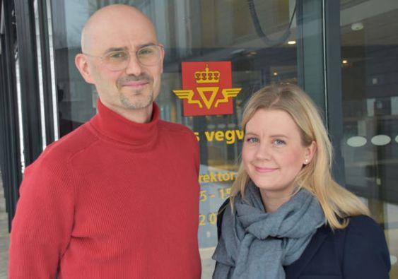 Karl Idar Gjerstad og Nina Martinsen i Statens vegvesen.