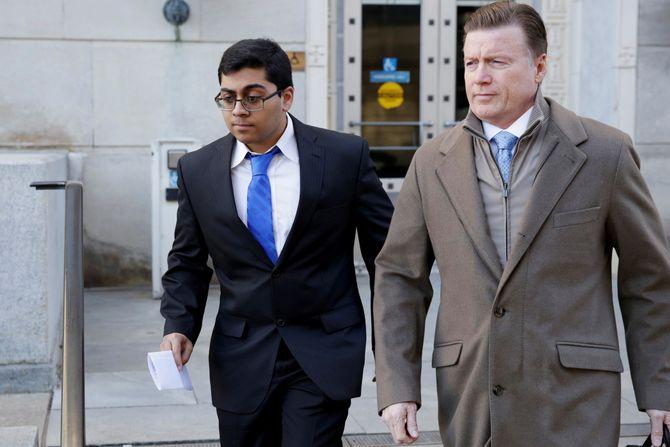 Paras Jha idet han forlater rettslokalet i Trenton, New Jersey den 13. desember 2017-er 13, 2017.