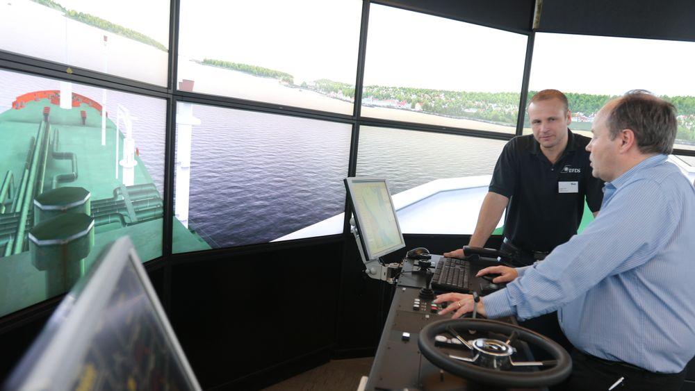 Simulatortesting med ulike skipstyper og forskjellig vær, vind, strøm, tåke og natt. Det ga nyttig lærdom for plassering av navigasjonsmerker, lys og sektorer.