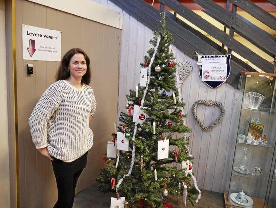 KALENDER: OMA har sin egen julekalender, hvor det avsløres nye tilbud hver eneste dag av den første kunden i butikken.