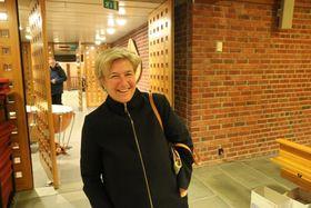 IMPONERT: Johanna Janson er undervisningsinspektør på Farnes skule og er glad for ordninga med at elevar kan spela blåseinstrument i skuletida. Ho tykte skulemusikken lét like fint som janitsjarkorpset på julekonserten.