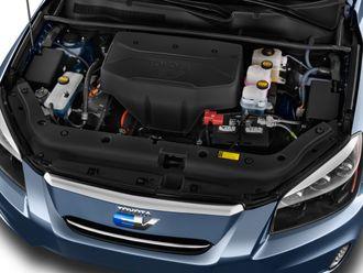 Motorrommet i Toyotas Tesla-konstruerte RAV4 EV.
