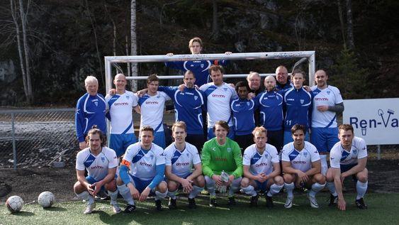 FJORÅRETS LAG: Slik så fjorårets lag ut for Kolbotns fotballherrer.