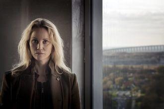 Sofia Helin tolker rollen som Saga Norén.