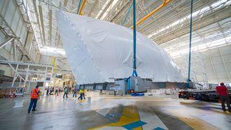 Den enorme cargodøra var den siste komponenten som ble montert på det første Beluga XL-flyet.