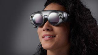 Med disse brillene trenger du ikke lenger fysiske skjermer