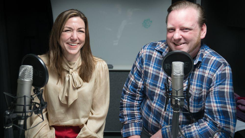 Thina Saltvedt og Lars Taraldsen i ukens podcast.