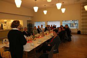TAKKSAM: Nordås var takksam for å ha fått prisen årets årdøl og i den korte takketalen oppmoda ho entusiastisk kommunestyrerepresentantane om å verta med gålaget på tur.