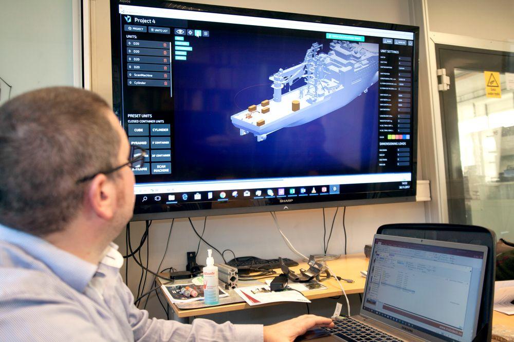 – Deckplanner er basert på en spillmotor og kan derfor sies å være en «gamifisering» av logistikken på dekket, sier John Sverre Gundersen.
