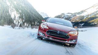 Hansjürgen Gemmingen har rundet én million kilometer i sin røde Tesla S. Bildet viser ikke Gemmingens bil.