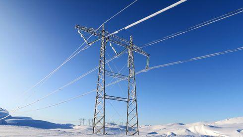 Ny teknologi skal gjøre overføring av strøm billigere, sikrere og mer intelligent - Statnett bruker milliarder