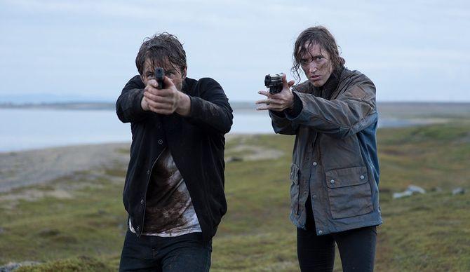 POLITI: Jakob Oftebro og Ingvild Holthe Bygdnes spiller hovedrollene i serien Monster. Selv om de ikke snakker sammen, skal de finne minst en seriedrapsmann nesten helt aleine.