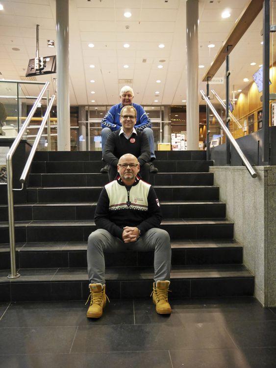 NOMINERTE: Helge Marstrander og Stopp Støyen (i midten), Kyrre Riis i Kolbotn Basket (bak) og Stål Rune Jensen i OIs tilrettelage gruppe er alle nominert til Frivillighetsprisen. i år.