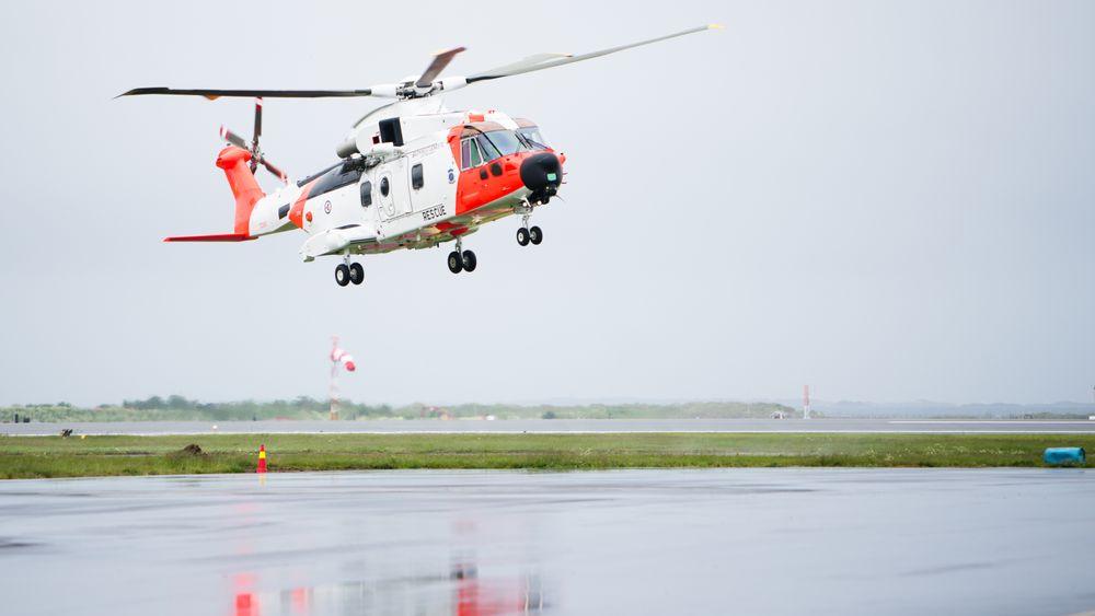 For 11 måneder siden var dette helikopteret for første gang på norgesbesøk. Dette er fortsatt det eneste flygbare AW101-helikopteret på Sola.