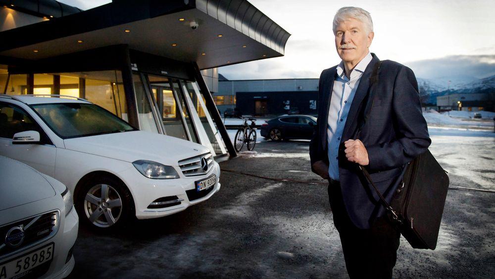 Gründer Jan Kleven foran lokalene til hans kjære Elotec i Oppdal.