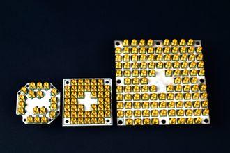 Tre nivåer av kvanteprosessorer fra Intel. Fra venstre: 7, 17 og 49 qubits.