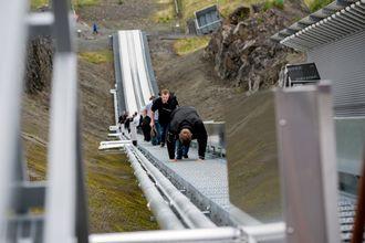 SLITNE: Det var noen som hadde det tungt mot slutten av overrennet i Vikersund.