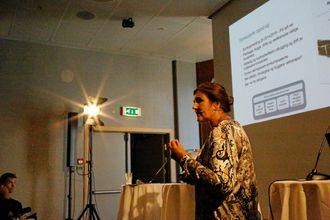 INNLEDNING: Ingrid Dahl Hovland ga innledningsvis en oppsummering av hva Nye Veier har fått til så langt.
