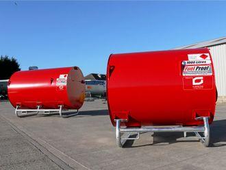 TANKENE: 1000 og 3000 liters tanker som Gjerstad Products skal selge i Norge, Sverige og Finland.