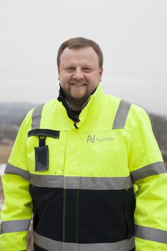 Øyvind Moshagen, prosjektdirektør i Nye Veier for E6 Mjøsregionen, mener motorveistandarden i Sverige hadde vært fullgod å bruke på norske motorveier.