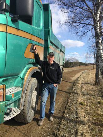 Arne Granerud i Granerud Transport AS leverer varene.