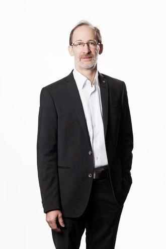 Volvo Trucks sikkerhetssjef Carl Johan Almqvist vil øke kunnskapen blant syklister om tunge kjøretøy.