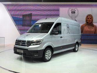 Crafter med Van of the year-logo på Volkswagens område på IAA i Hannover, dagen etter at tildelingen ble kjent.
