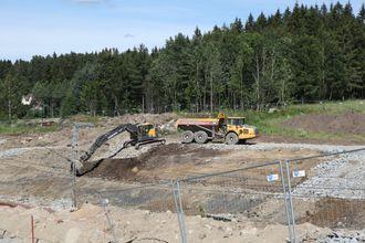 Det skjer også en del masseforflytning internt på Follobanen mellom Ski stasjon og Langhus i Ski kommune.