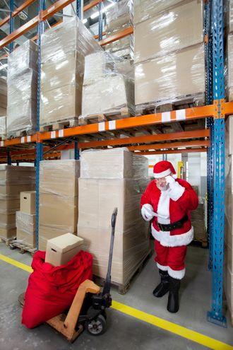 Julenissen gjør trolig svært gode foreberedelser før selve leveransedagen.