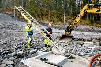 Inntil videre jobber Kim Terje M. Tollefsen som grunnarbeider og dumperkusk. Han er glad for måten arbeidsgiver Kaare Mortensen Oslo/Akershus har tatt vare på ham.