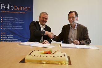 Til venstre Anders Geirsta, regiondirektør i Skanska Norge AS og til høyre Erik Smith, prosjektdirektør i Follobaneprosjektet