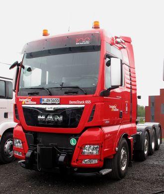 MANs tungtrekker med D38-motor på 640 hk, godkjent for totalvekter på opptil 250 tonn.