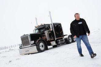 Sørlie har en amerikansk lastebil av merket Peterbilt 1983 modell har han stående i en låve hos en kamerat. Den har han også bygget opp selv.