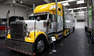 International 9300 Eagle bygget i 1999. 550 hestekrefters Euro 3-motor. Eies av American Truck Promotion GmbH.